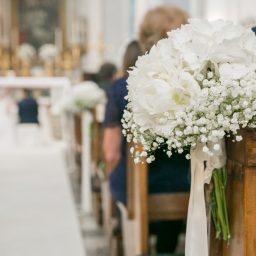 Matrimonio nel giardino di casa